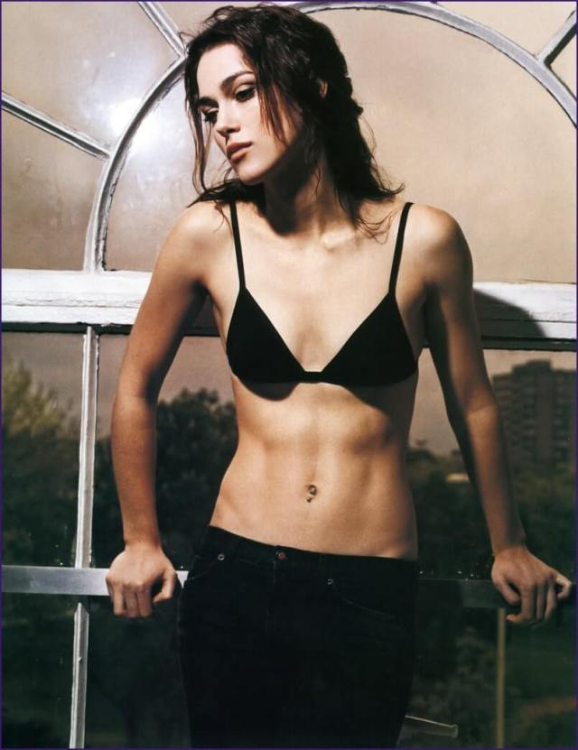 Keira Knightley sexy cleavags pic
