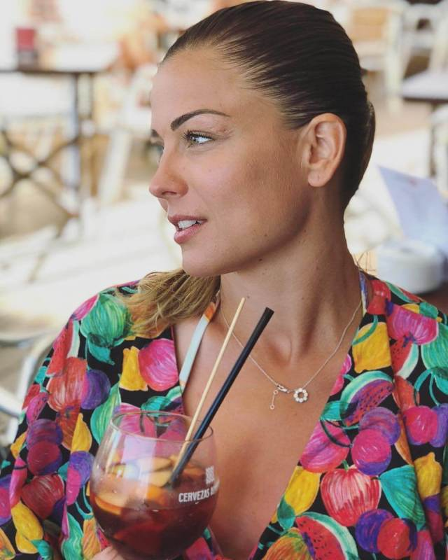 LAURE BOULLEAU cleavage pic