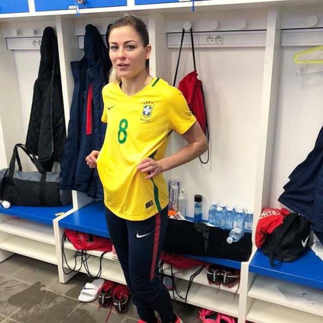 LAURE BOULLEAU sexy yellow dress