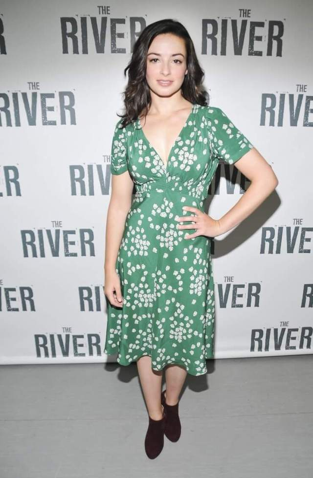 Laura Donnelly green dress (1)