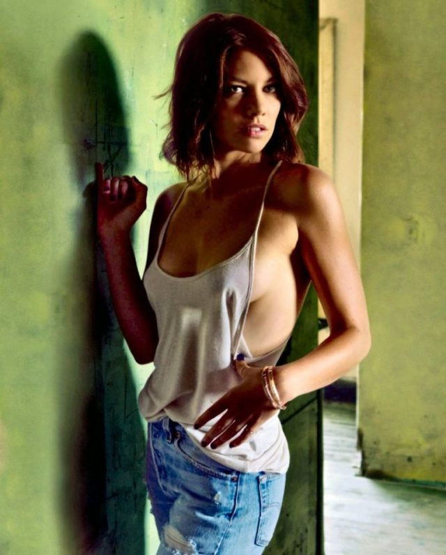 Lauren-Cohan-Side-Boobs-