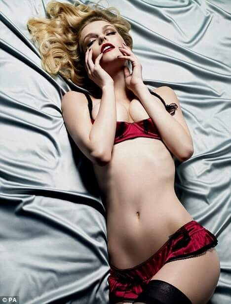 Lydia Hearst awesome pic