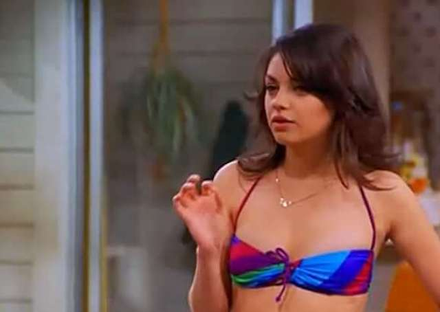Mila Kunis sexy look pic