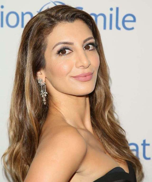 Nasim Pedrad hot side picture (2)