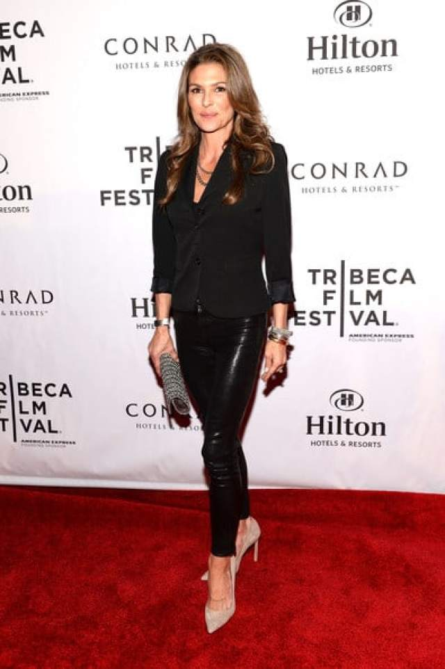 Paige Turco sexy black dress-min