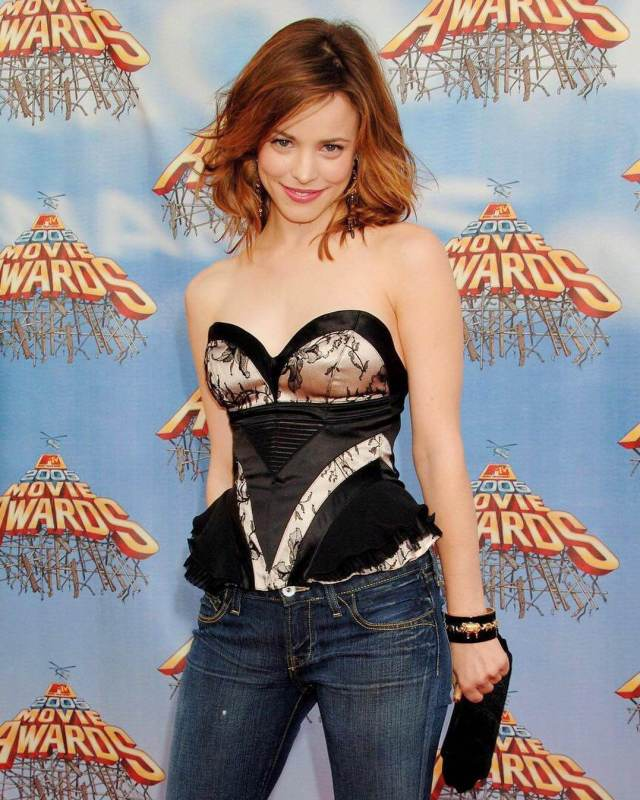 Rachel McAdams sexy boobs pic