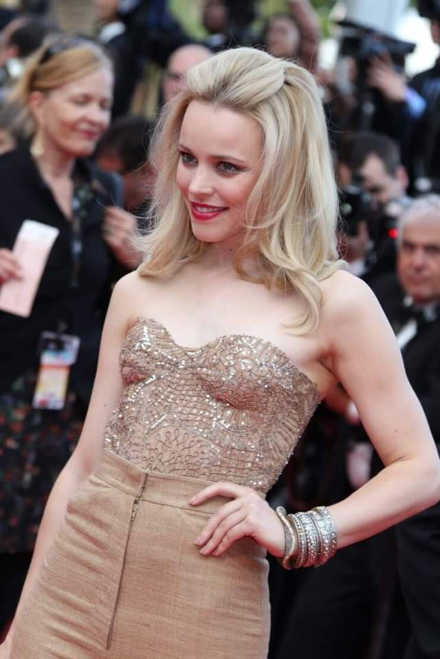 Rachel McAdams sexy boobs pictures
