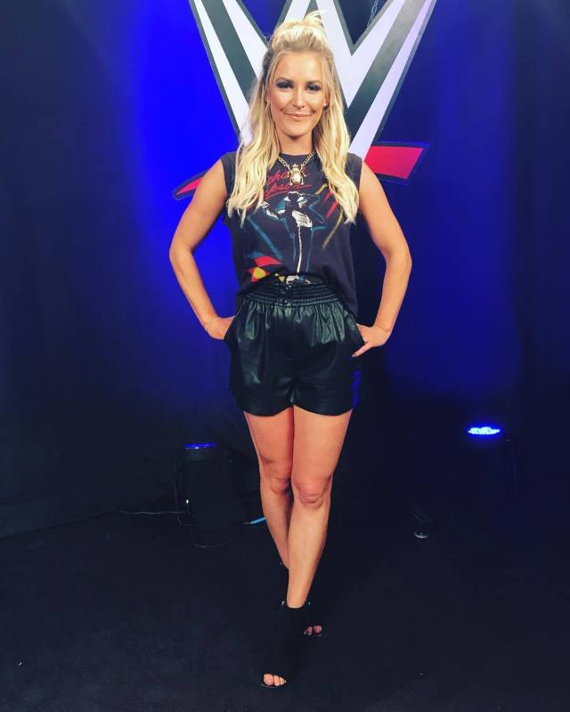 Renee Young sexy pics