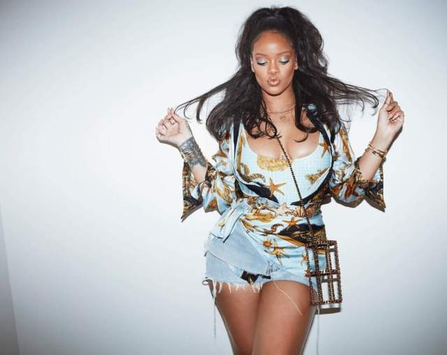 Rihanna lovely pictures (1)
