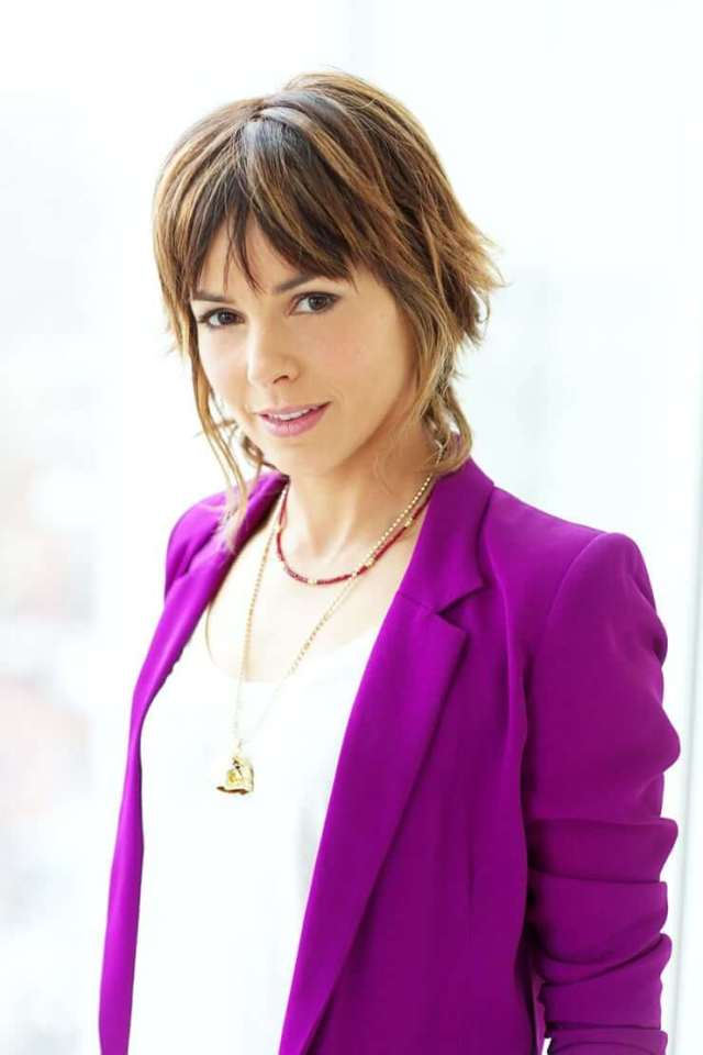 Stephanie Szostak awesome pictures (3)