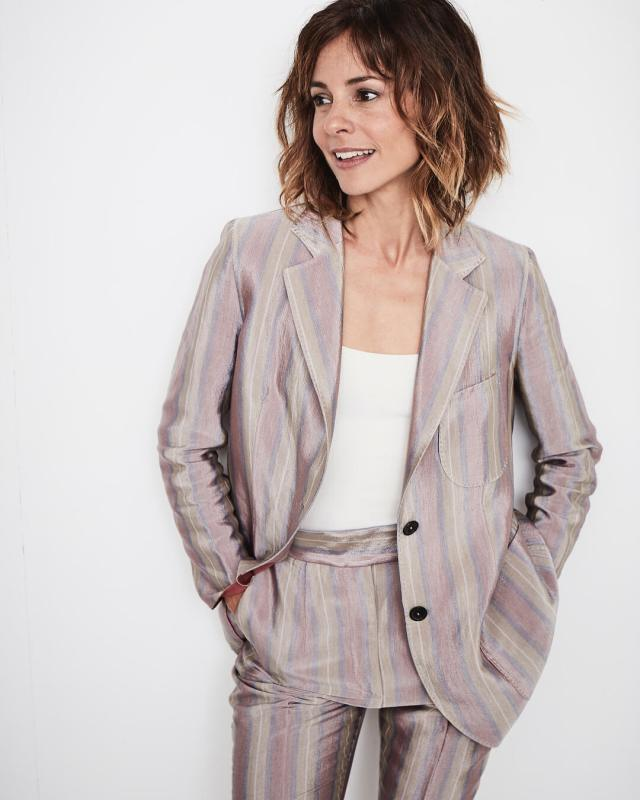 Stephanie Szostak cleavage hot
