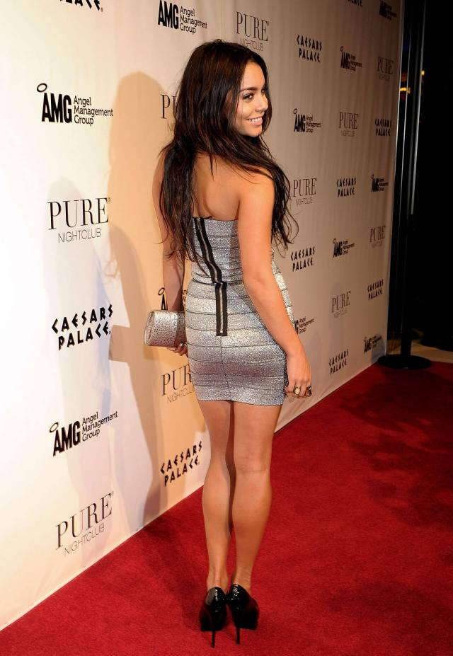 Vanessa Hudgens awesome butt pic
