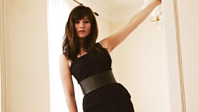 Yael Stone awesome picture (2)