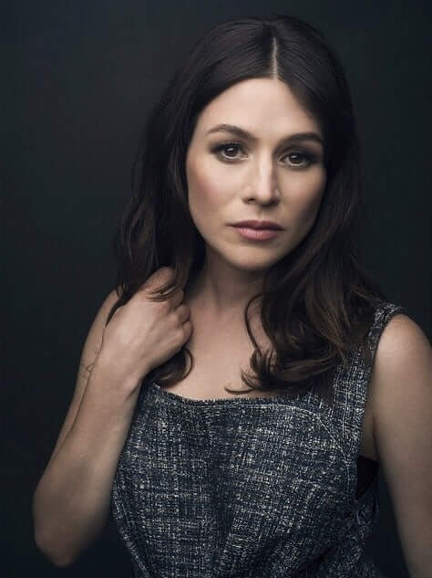 Yael Stone awesome picture