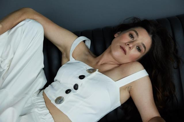 Yael Stone sexy cleavages pics