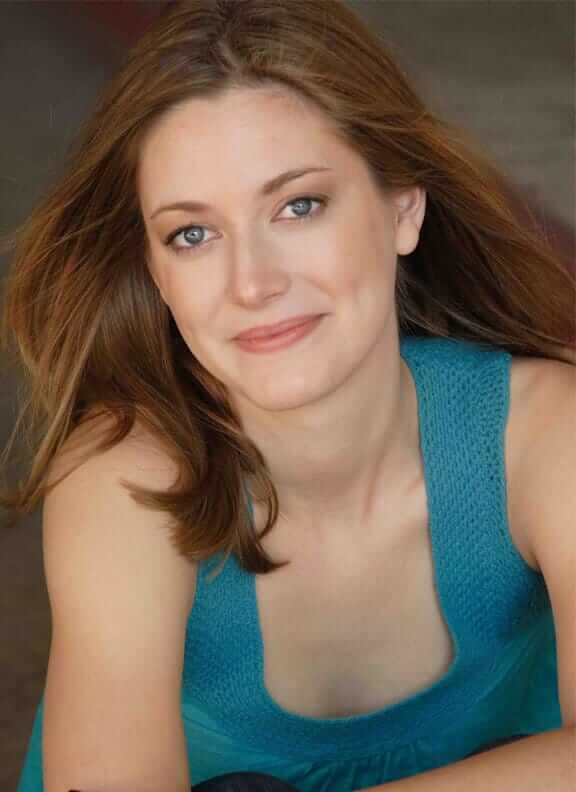 Zoe Perry cleavges