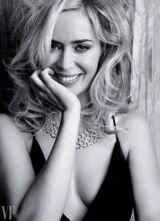 emily blunt sexy smile
