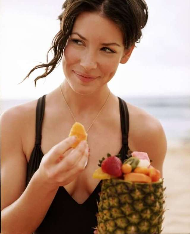 evangeline lilly hot picture (2)