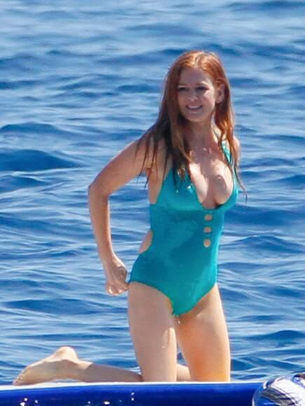 isla-fisher-side-boobs-2