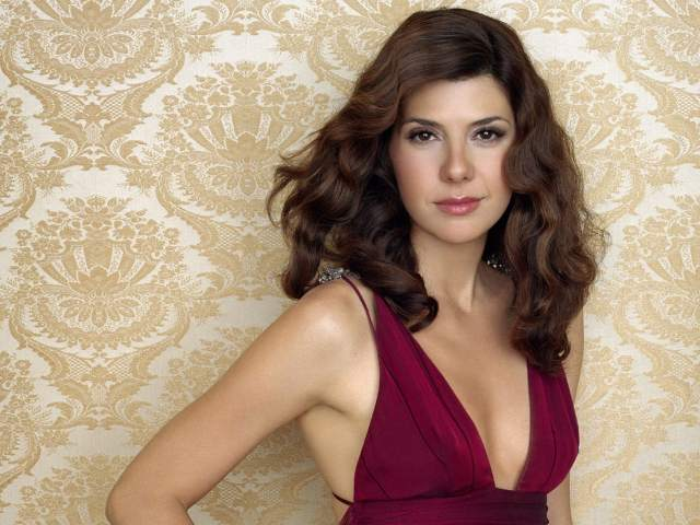 marisa tomei sexy boobs pics