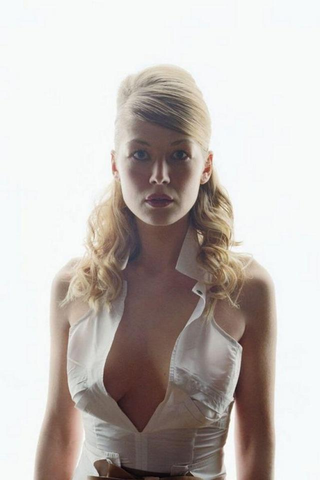 61 Sexy Rosamund Pike Boobs Pictures Will Make You Want To Play With Them | Best Of Comic Books