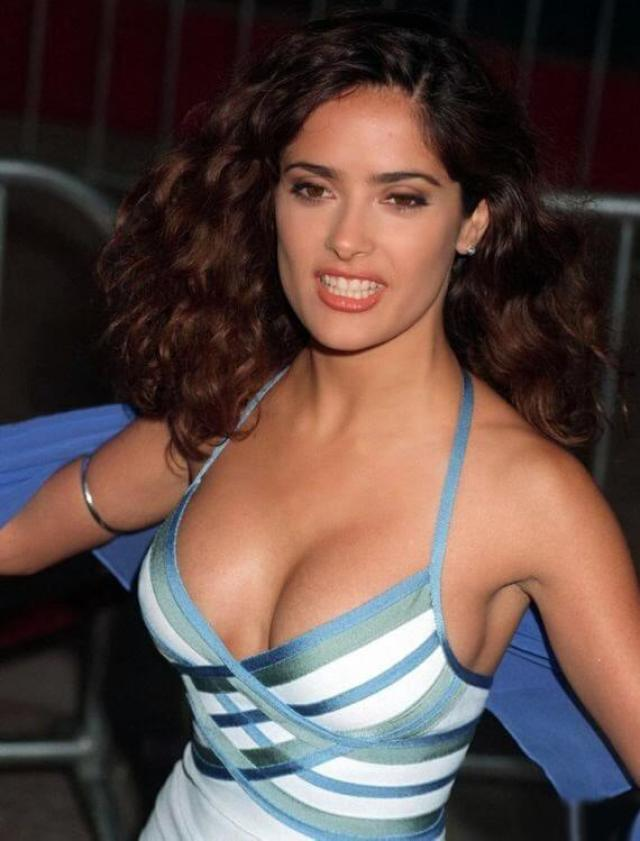 salma hayek cleavage photo