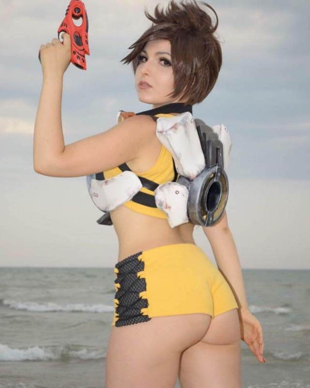 tracer ass pictures