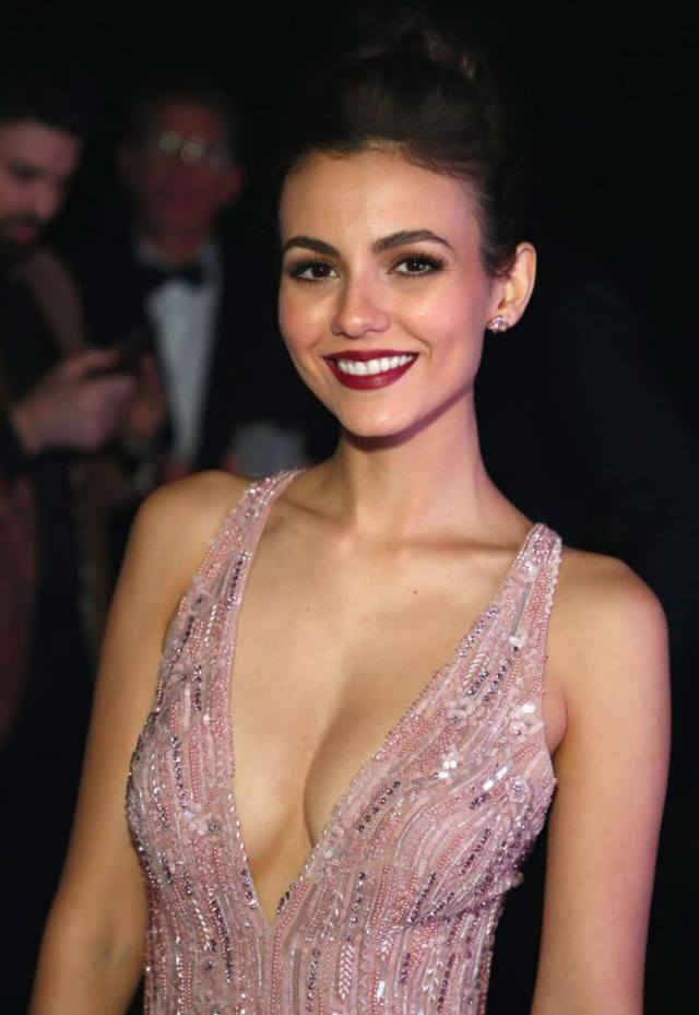 victoria justice sexy busty pictures