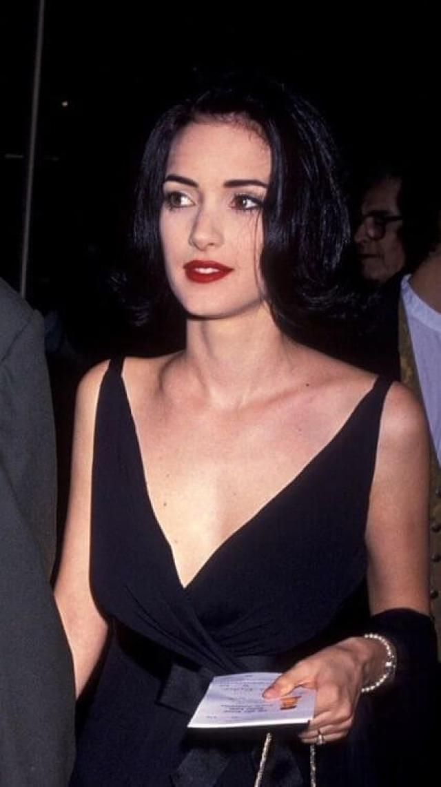 winona ryder sexy cleavage