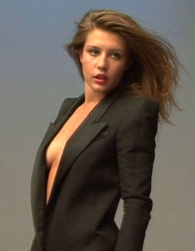 Adèle Exarchopoulos hot side pictures