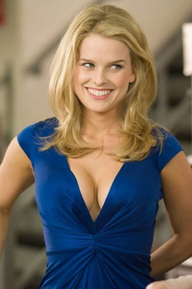 Alice Eve sexy images (3)