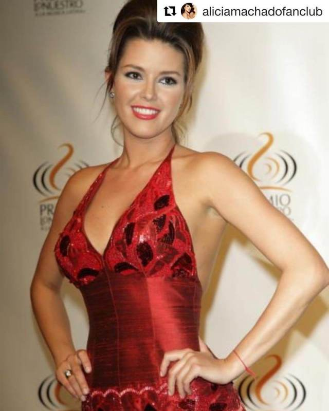Alicia Machado sexy cleavage pics