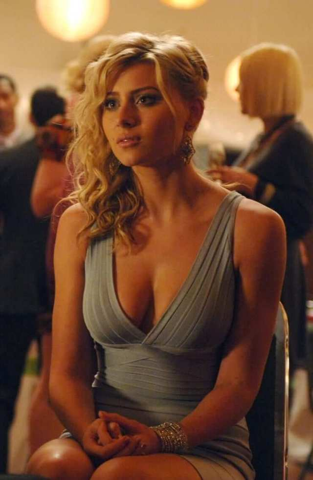 Aly Michalka sexy cleavage photos (6)