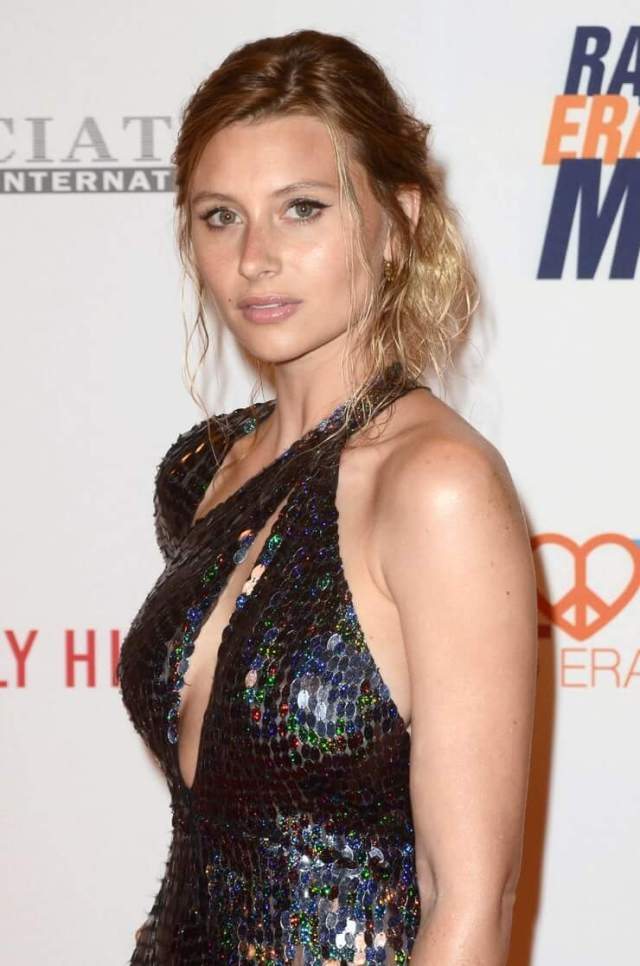 Aly Michalka sexy side pic