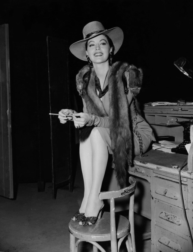 Ava Gardner awesome cleavage