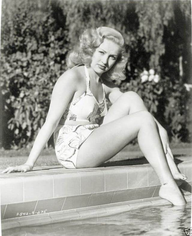 Betty Grable sexy feet pic
