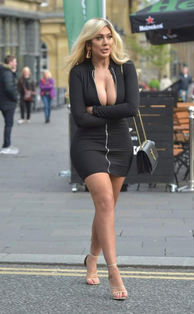 Chloe Ferry sexy legs pictures (4)