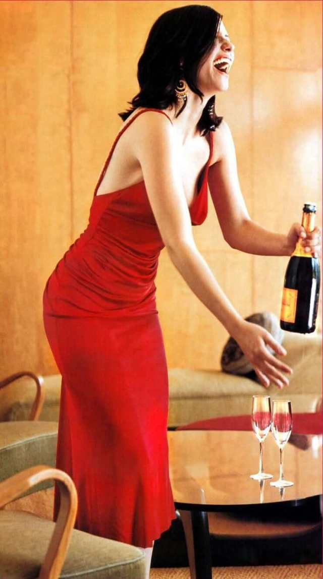 Chyler-Leigh hot red dress