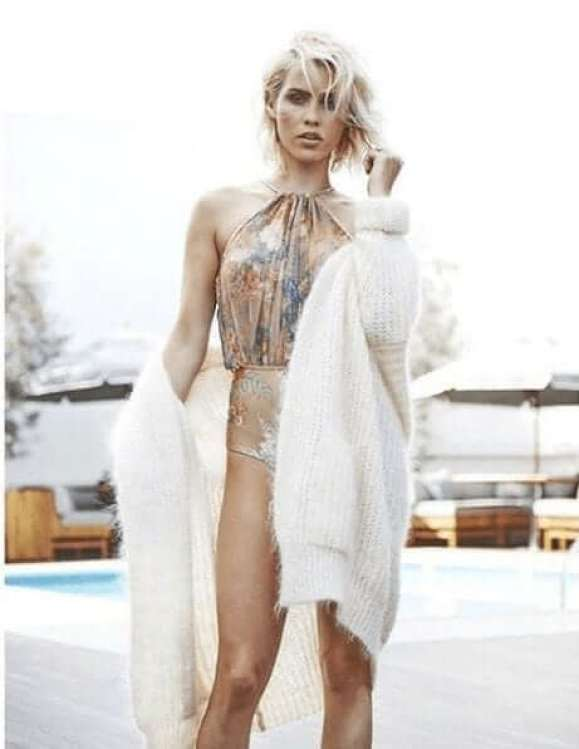 Claire Holt awesome looks (1)