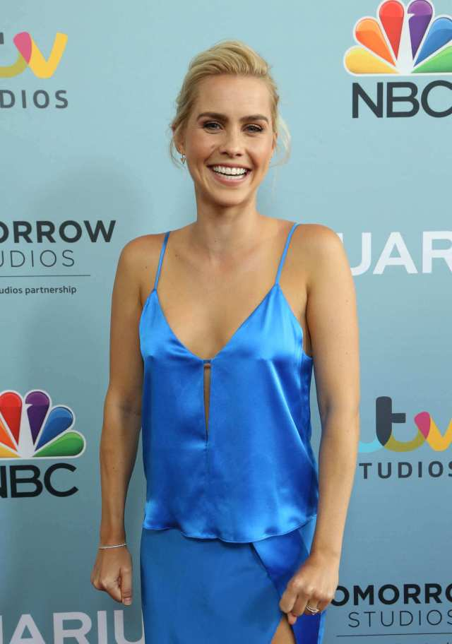 Claire Holt awesome looks (3)