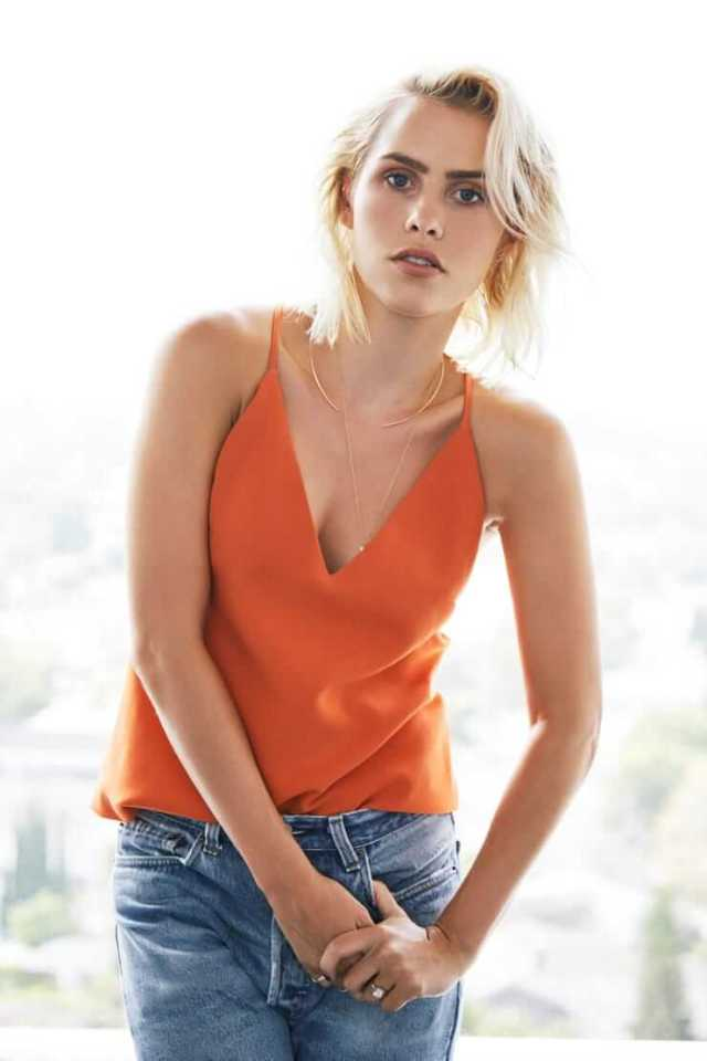 Claire Holt awesome pics (3)