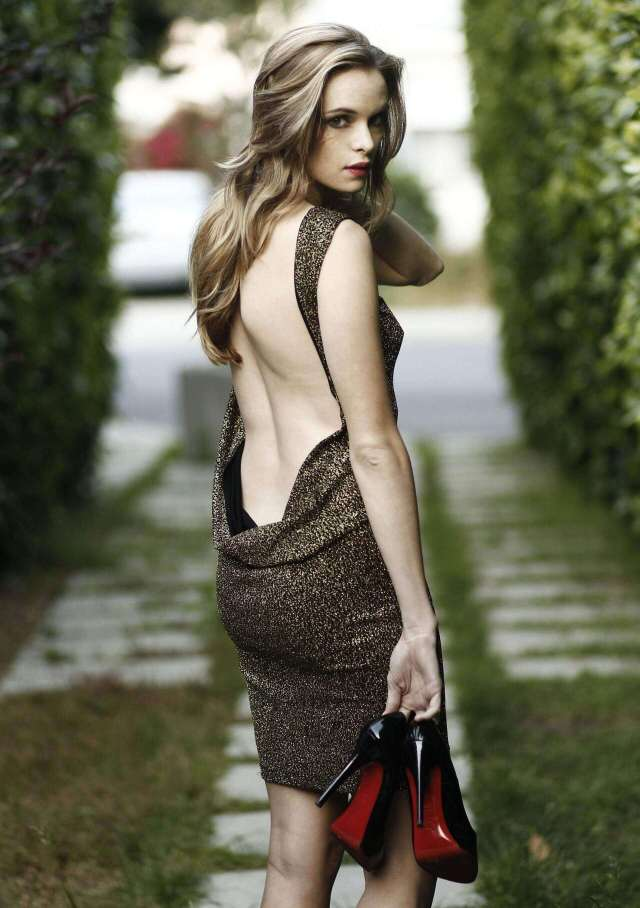 Danielle-Panabaker-sexy-back-less