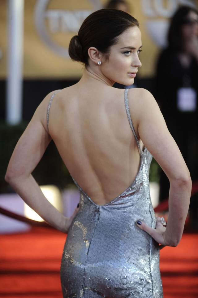 EMILY BLUNT ass pic