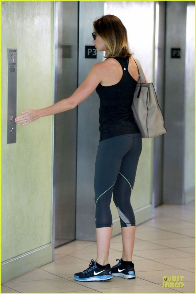 EMILY BLUNT butt pic