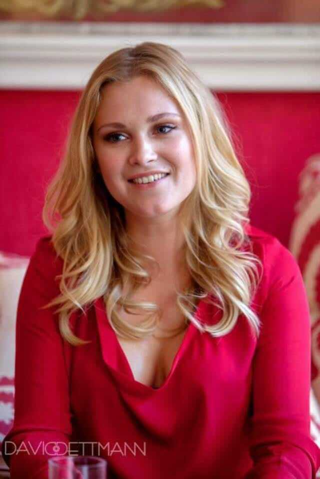 Eliza Taylor beautiful pics (1)