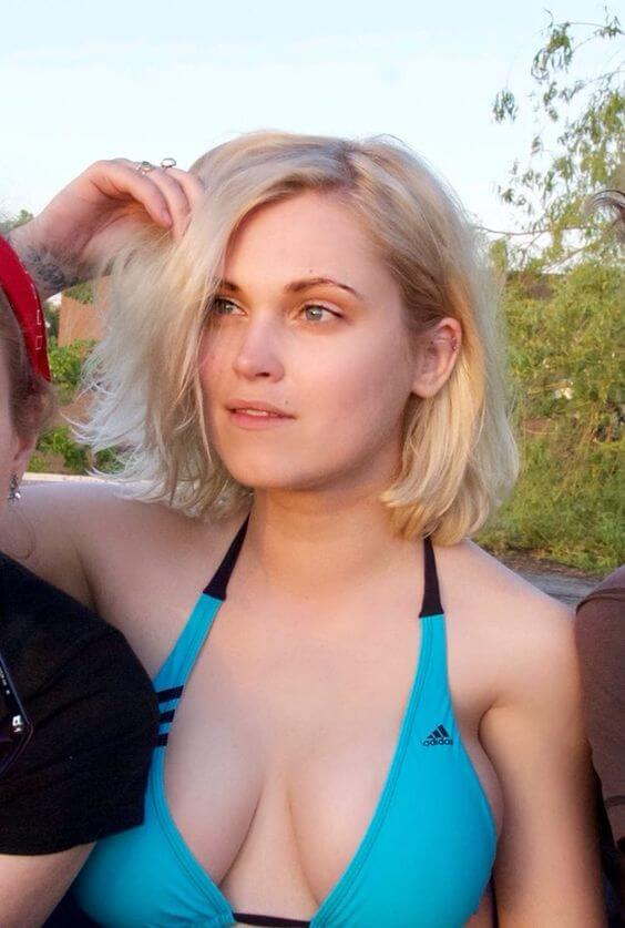 Eliza Taylor bikini photo (1)