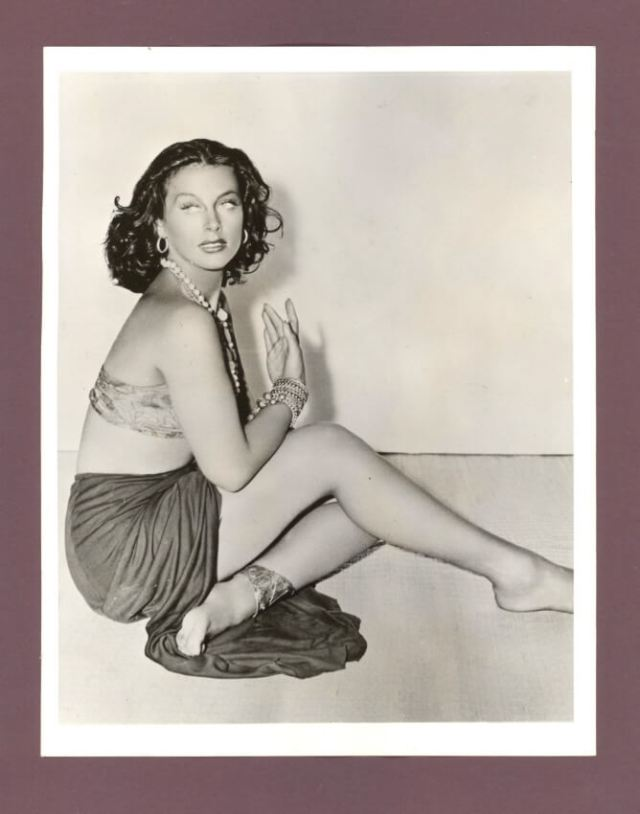 Hedy Lamarr hot side pictures