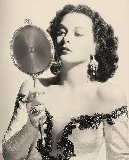Hedy Lamarr sexy busty pictures
