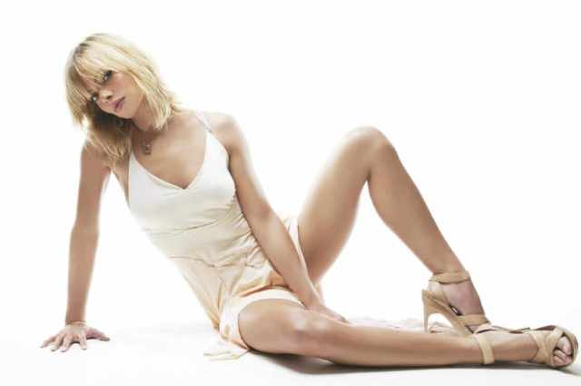 Jaime Pressly sexy look pictures (6)