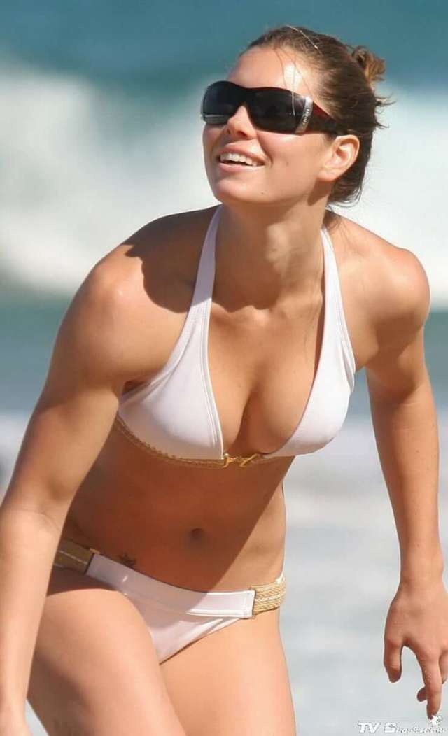 Jessica Biel awesome cleavage